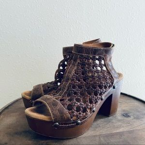 Sbicca | Outlast-Brown Clogs